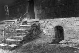 3_Kamenné schody před vstupem, vpravo sklep, 1966 / Stone steps in front of the entrance, the cellar to the right, 1966