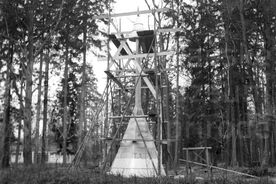 4_Dřevěné městečko, stavba vědecké rekonstrukce zvonice v muzeu, 1968 / Timber Town, building a scientific reconstruction of the bell tower at the museum, 1968